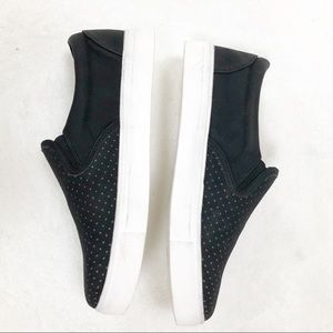 Seven7 slip on black Sneakers
